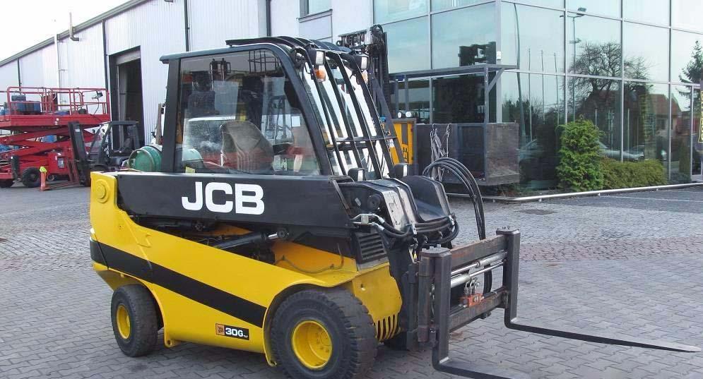 Вилочный погрузчик JCB TLT30G LPG.