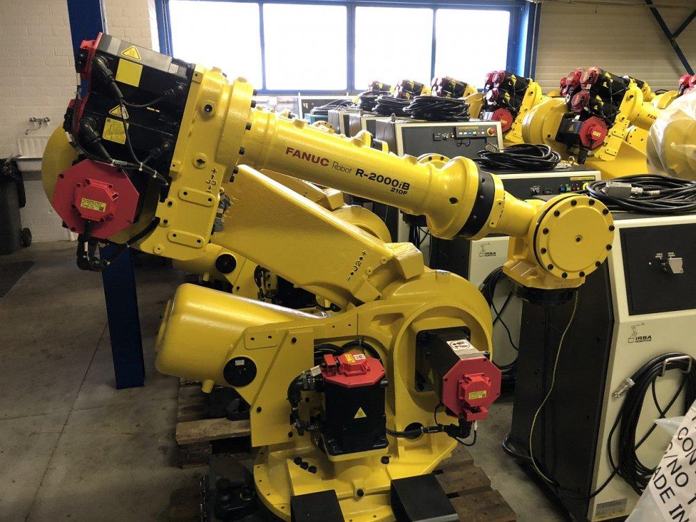 Купить Промышленный робот Fanuc R-2000iB 210F-2010 (refurbished)