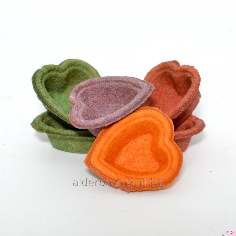 Tartlets av degen i form av ett hjärta för saltad sallader 150g. flerfärgad