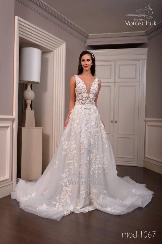 Wedding dress, model 1067