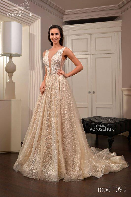 Wedding dress, model 1093