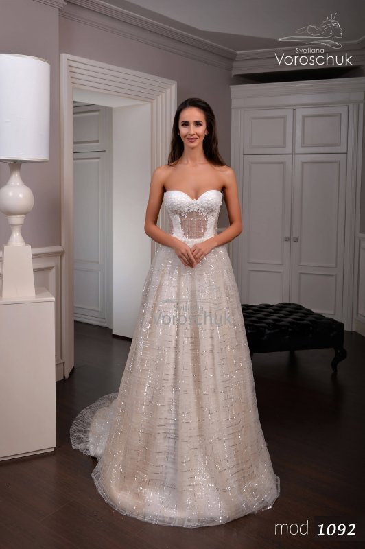 Wedding dress, model 1092