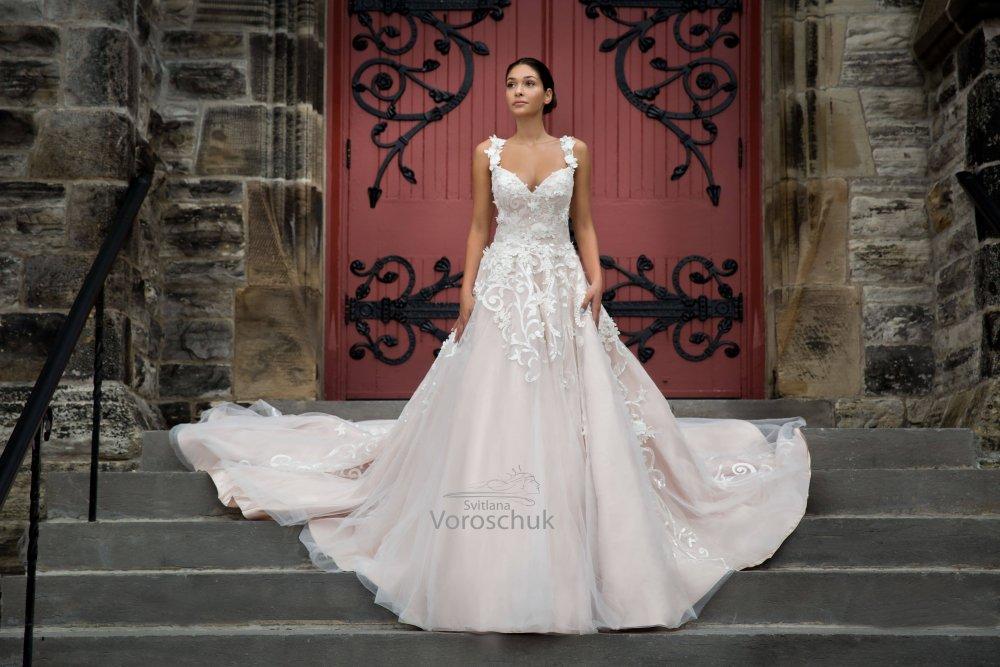 Wedding dress, model 1097C