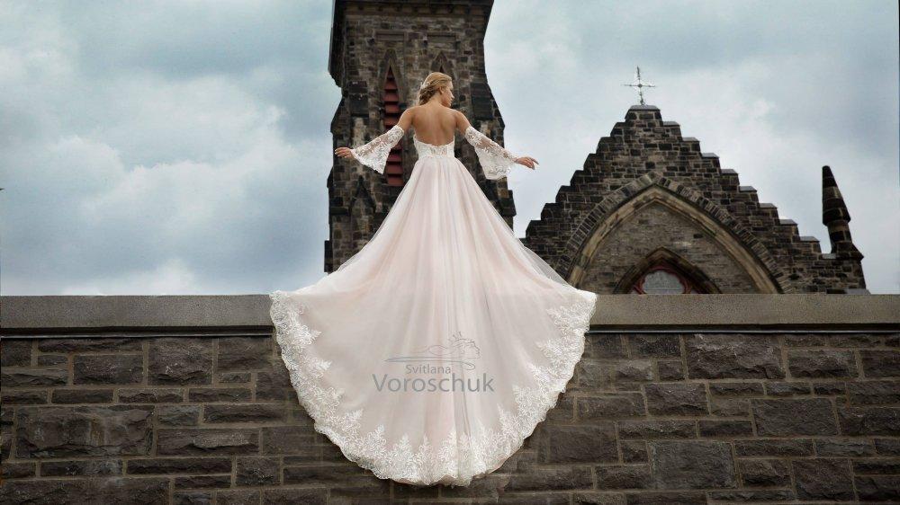 Wedding dress, model 1111