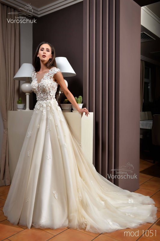Wedding dress, model 1051