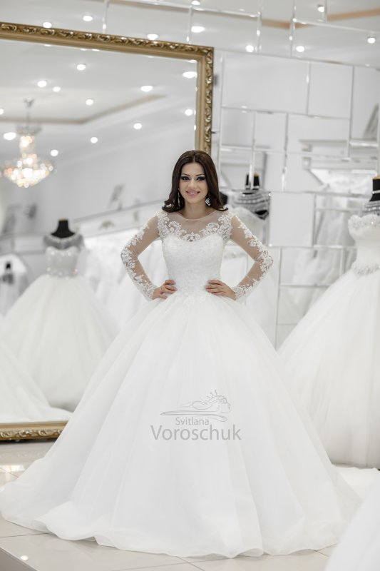 Wedding ballgown, model st03