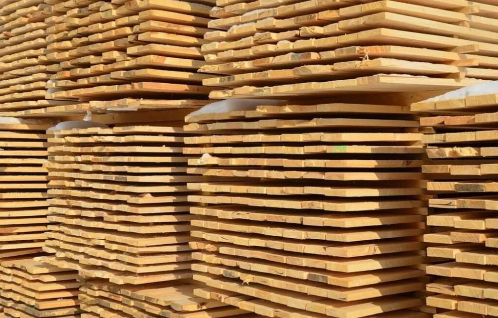 Купить Сухой обрезной строганный пиломатериал. Сосна. Длина (4000,4500, 6000 мм)