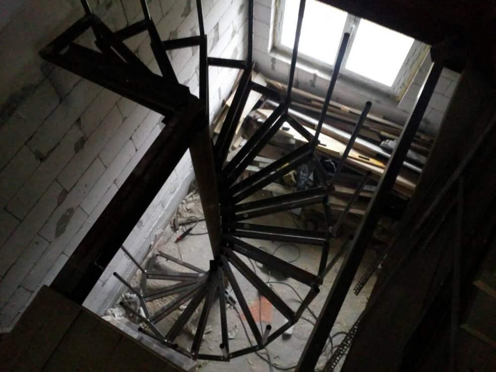 Купить Лестница винтовая металлическая