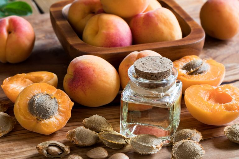 Купить Масло абрикосовых косточек NATURA-TEC