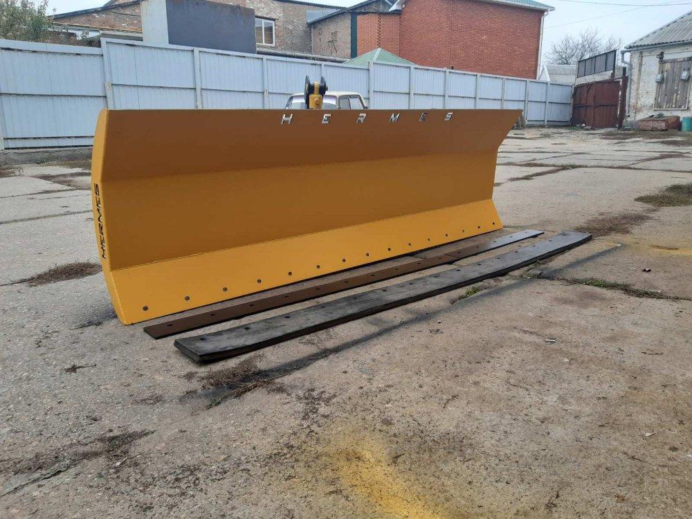 Купить Грейдерный снегоуборочный отвал к тракторам Т150 Case John Deere и др