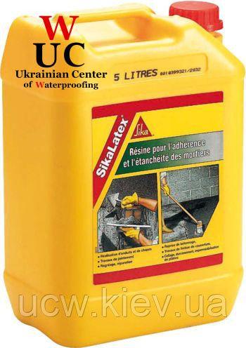 Универсальная добавка для тонкослойных штукатурок и стяжек SikaLatex, 5 кг.