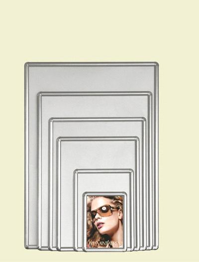 Рамки для фото, широкий ассортимент: элитные, дорогие, серебряные настольные фоторамки. Подобрать и заказать романтическую подарочную фоторамку для лю