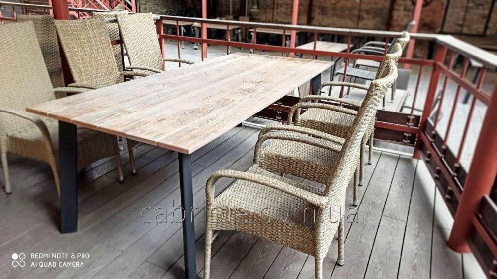Столы обеденные для лоджии, беседки, дома, из дерева на металлическом подстолье