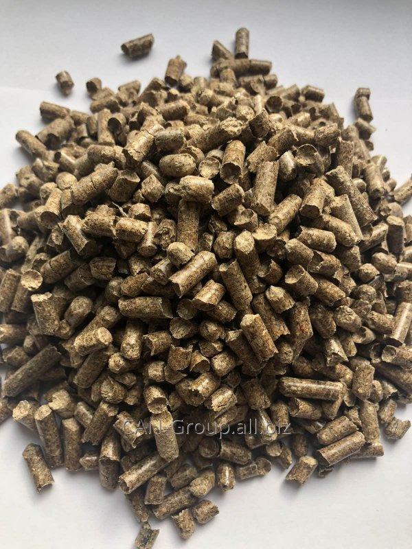 Купити Паливні гранули (пелети) з сосни діаметром 6 мм в мішках по 15 кг