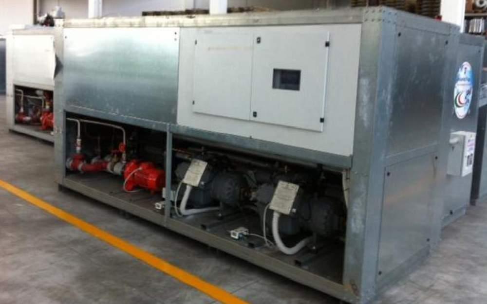 ЧИЛЛЕРЫ охладители жидкости, Б/У,  разные мощности охлаждения 2-1500 кВт.