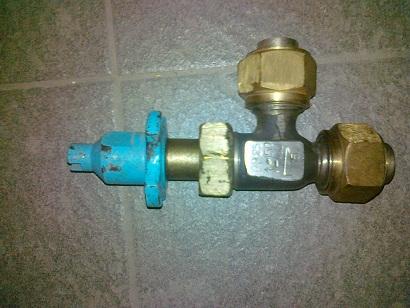 Клапан запорный угловой 14нж27п(СА24014) Ду15 Ру25