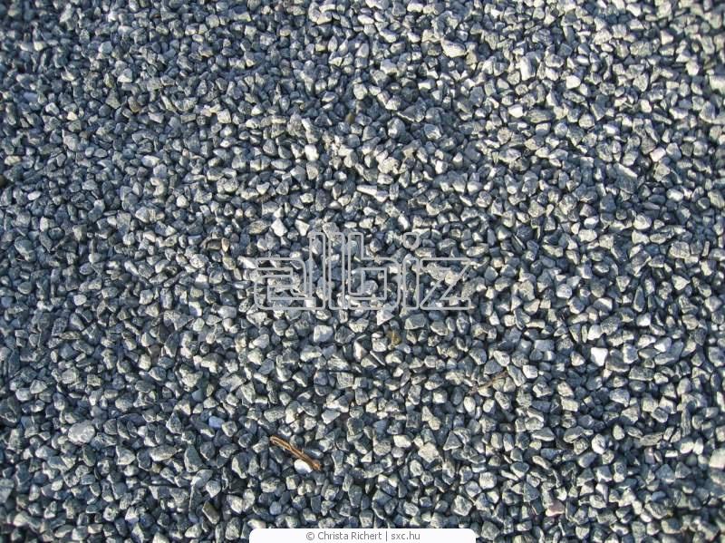 Купить Щебень, Производство щебня, Гравий, песок, грунты, природные пигменты, Каменный балласт и щебень, Изделия из камня, Каменная крошка, щебенка для мощения и настила полов, Гравий и щебенка