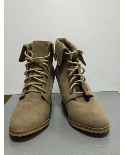 Купить Ботинки женские демисезонные песочного цвета скрытая платформа на шнурках Pull @Bear