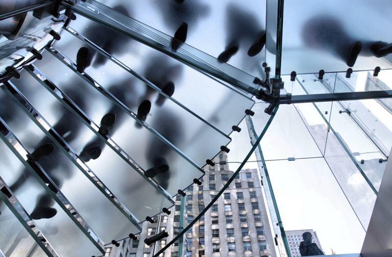 Лестницы декоративные из стекла, лестницы со стеклом, лестницы стеклянные - стекло в интерьере, восхитительные неповторимые изделия из стекла