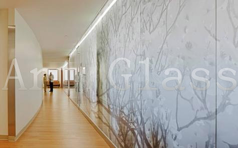 Стекло закаленное, стекло архитектурное с декоративной обработкой