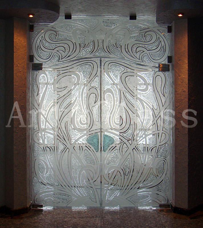 Двери стеклянные раздвижные, распашные, откатные, двери стеклянные входные и межкомнатные - декор по стеклу, художественная обработка стекла
