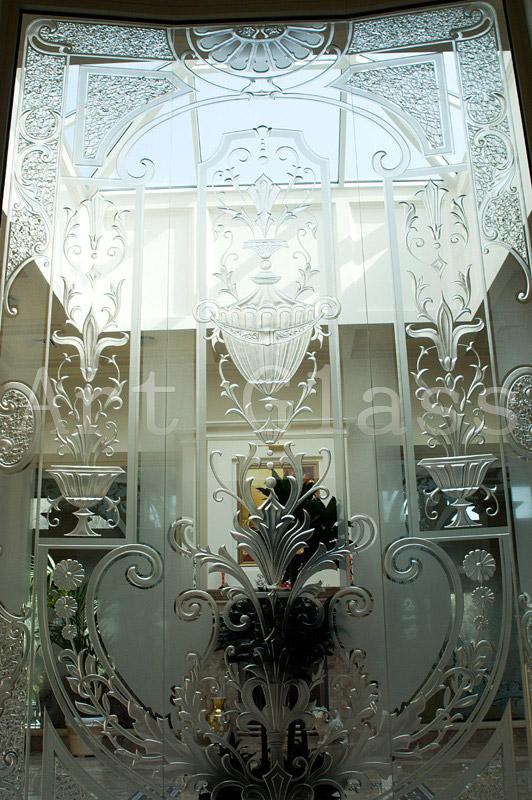 Изготовим стеклянные балконные двери с эксклюзивным декором