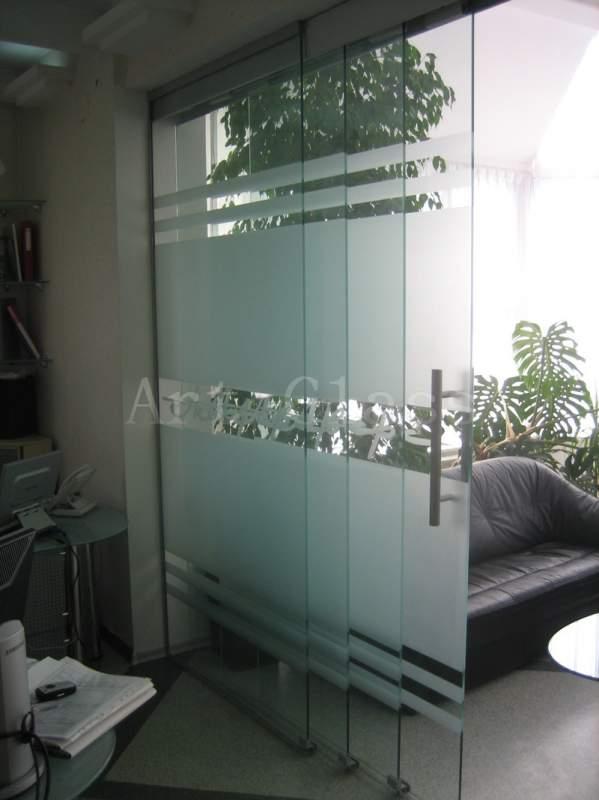 Двери офисные из стекла, индивидуальный дизайн и декор