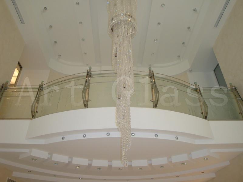 Ограждения балконов и лестниц из стекла - изготовление по индивидуальным заказам