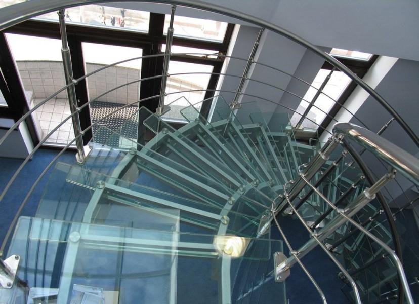 Лестницы, лестничные марши стеклянные, лестницы из натурального камня  - изготовление на заказ