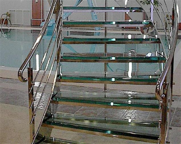 Лестницы из нержавеющей стали, лестницы металлические, лестницы из стекла и металла