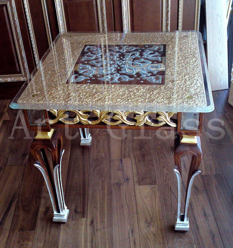 Стеклянная мебель для жилых помещений - индивидуальное изготовление