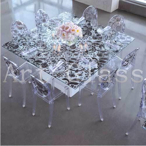 Мебель для столовой: эксклюзивные обеденные стола из стекла