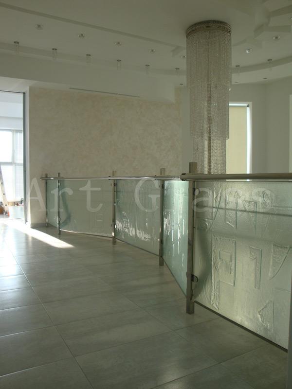 Перила, ограждения декоративные из стекла и металла