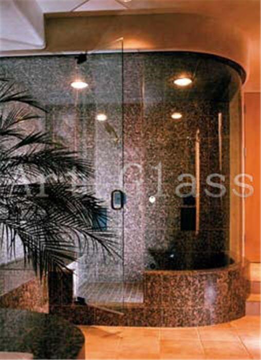Душевые кабины из стекла и натурального камня