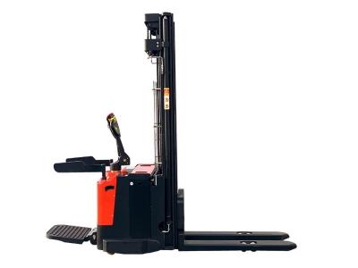 Штабелер электрический самоходный с площадкой для оператораStaxx ES15T4-4500