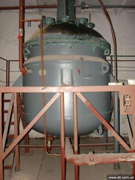 Реактора химические в ассортименте.
