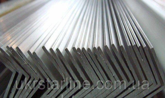 Алюминиевый уголок равносторонний АД31Т5, 20х20х1.5 мм (анод.)