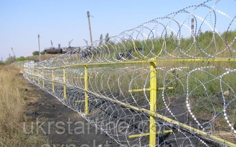 Барьер спиральный оцинкованный 450х3, на 3 скобы, (в бухте 10м\п) Україна