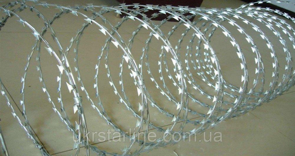 Колючая проволока егоза 900/5 мм с повышенной защитой от коррозии