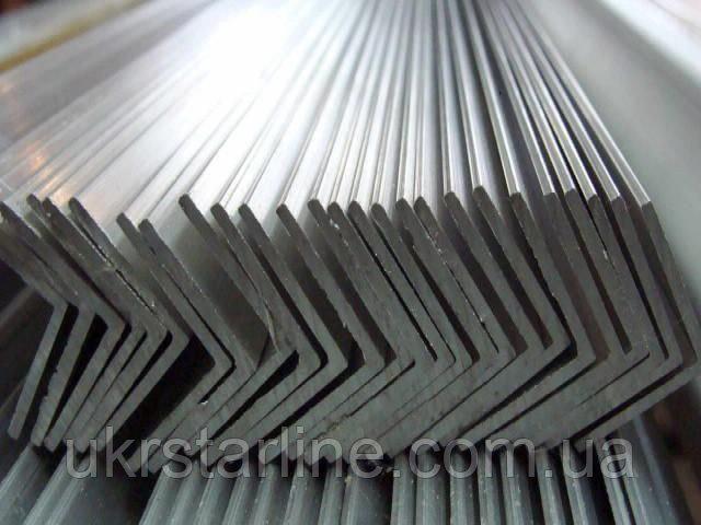 Купить Уголок 25х25х3,0мм стальной