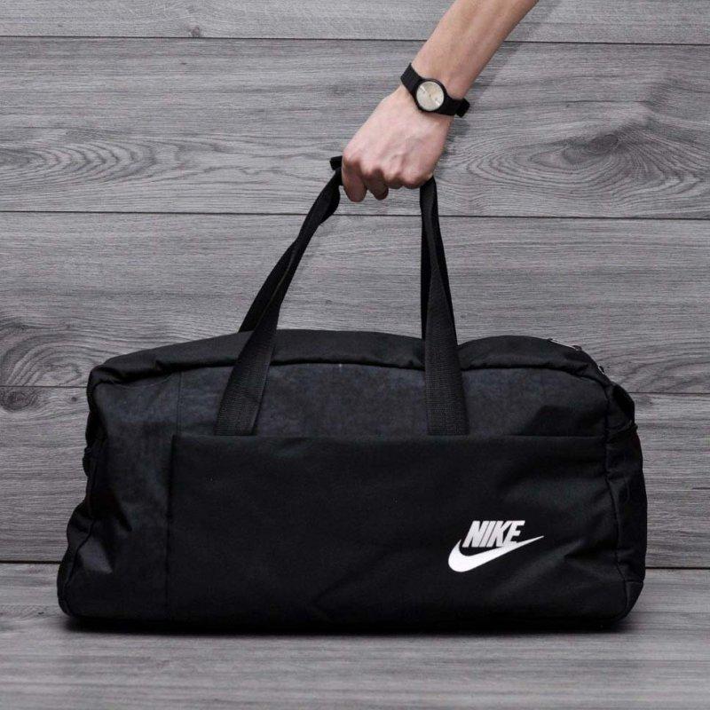 Фитнес сумка в стиле Nike найк для тренировок. Кожзам с плечевым ремнем. Черная