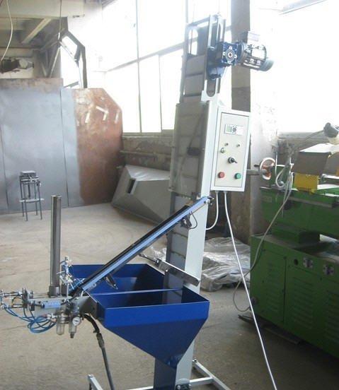 Автоматична установка для вкладення прокладок у кришки каністр.