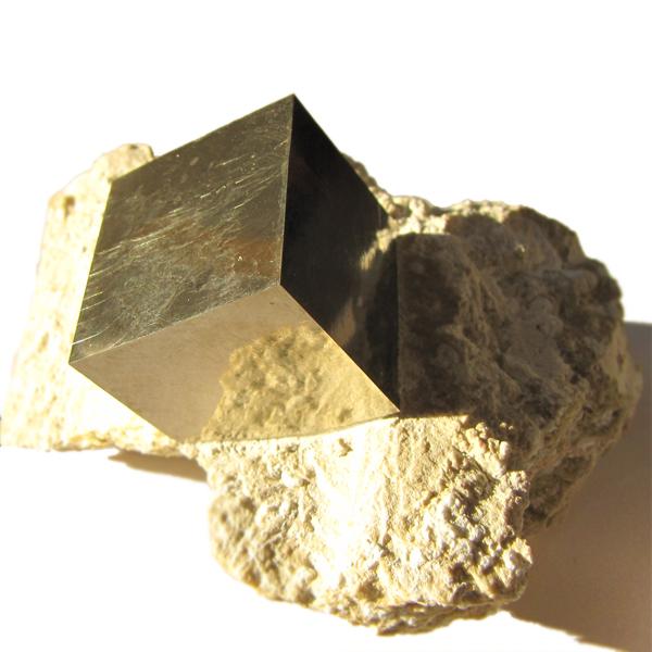 ювелирные изделия полудрагоценные камни