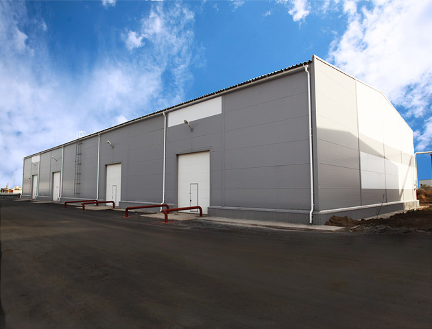Купить Здания производственные, Строительство быстровозводимых зданий из металлоконструкций, с использованием термопрофилей и ЛСТК.