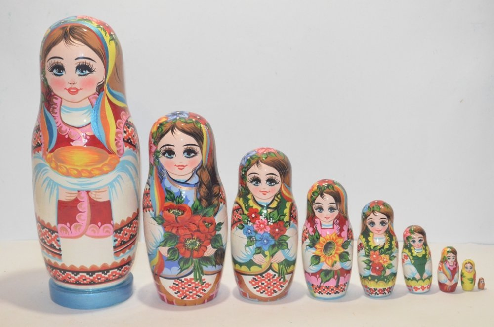 The Ukrainian painted nested doll from 9 pieces 902