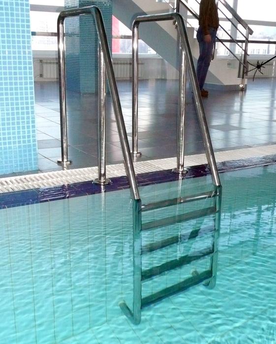 Лестницы для бассейнов заказать в Москве Купить