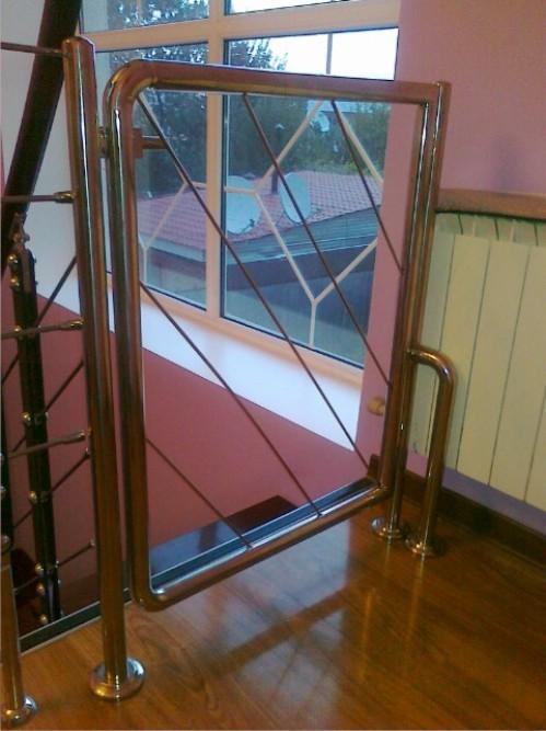 Купить Металлоизделия, лестницы в бассейн, ограждения лестниц