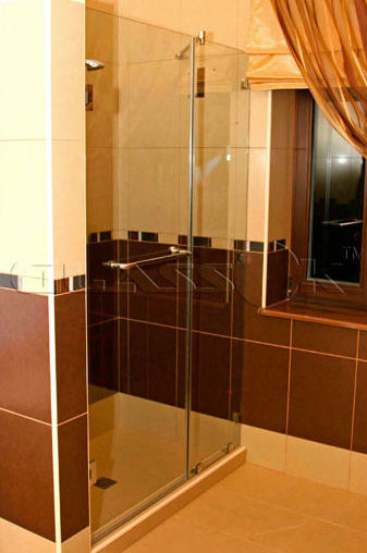 Glass doors for shower cabins of \