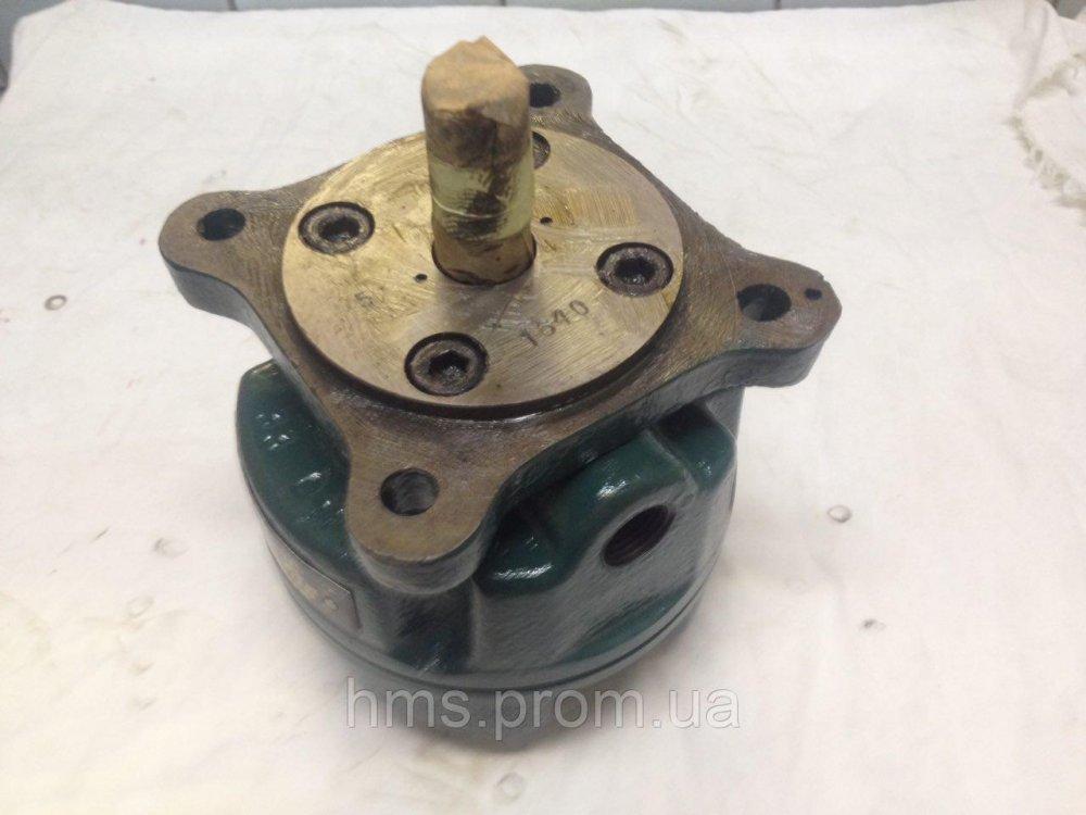 Купить Насос Г12-32АМ пластинчатый нерегулируемый Q12,7 л/мин Р6,3 Мпа 63 Bar 63 кгс однопоточный габарит 1