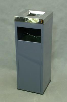 Urns-ashtrays